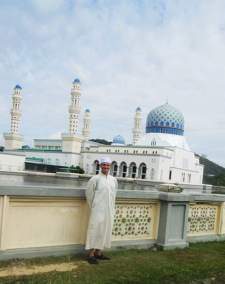 Danny Flood at Likas Mosque in Sabah.