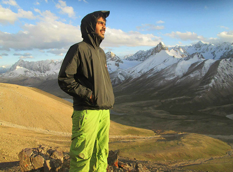 Komail Abbas Navqi, Pakistani explorer
