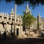 Mopti - the largest mud mosque in the world