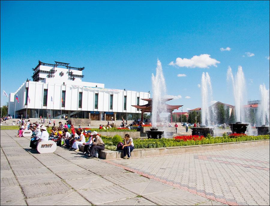 Kyzyl city square.