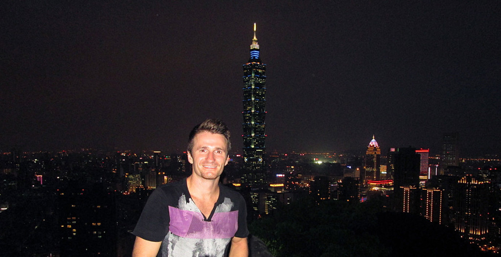 Danny Flood at Xiangshan, Taipei.