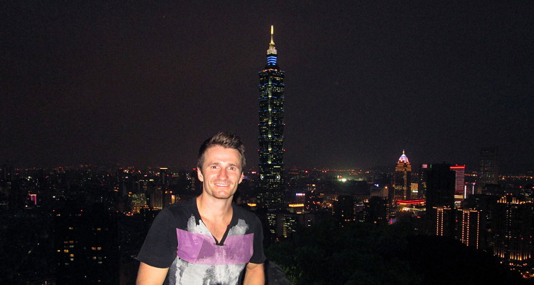 Danny Flood at Xiangshan, Taipei.