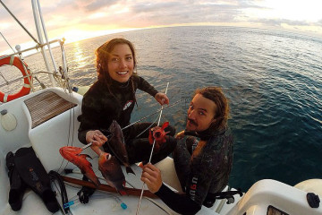 Riley and Elayna, Sailing La Vagabonde